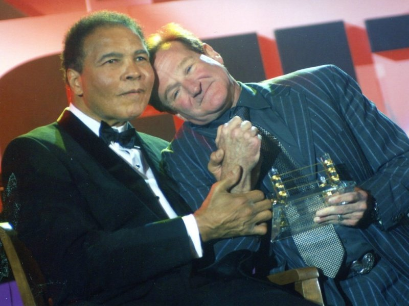 10 ROBIN WILLIAMS and ALI